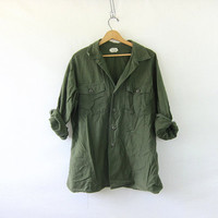 CIJ 25% OFF SALE Vintage men's army shirt. military jacket. button up army shirt.