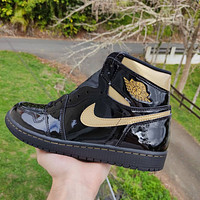 Nike Air Jordan 1 Retro High Black Metallic Gold Basketball Shoes Sneakers