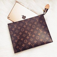 LV hot seller of men's and women's handbags, business wallets and briefcases LV pattern coffee