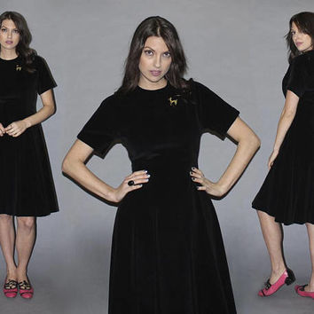 Vintage 50s BLACK VELVET Dress / Full A-Line, Knee Length, Short Sleeve, Fitted Waist / Little Black Dress, LBD, The New Look / Medium