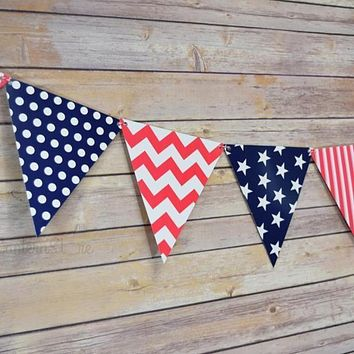 4th of July Red, White and Blue Triangle Flag Pennant Banner (11FT)