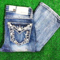 GRACE IN L.A. CRYSTAL PETALS EASY BOOTCUT JEANS