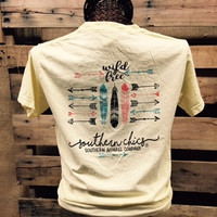 Southern Chics Comfort Colors Wild & Free Arrows Feathers Girlie Bright T Shirt
