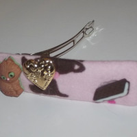 Hair Barrette - My Brown Cat Loves Brownie - on Pink Flannel (Left)  - Cat Ornament Hair Clip