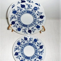 Vintage 1950s Seltmann Weiden Classic Porcelain Dresden Blue Onion Saucers/2 Coffee Cup Saucers n 1 Tea Cup Saucer/Classic Bavarian Seltmann