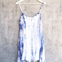 tie dye for flowy mini dress | bohemian blue