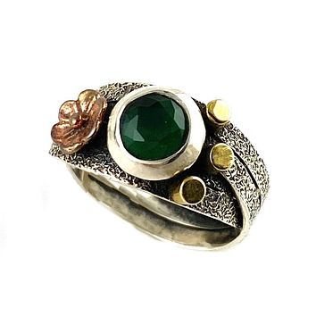 Emerald Two Tone Artisan Crafted CrisS Cross Ring