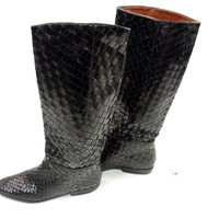 1980s black leather riding boots, flat low heel weaved woven leather pull on tall boots, 6