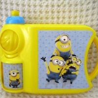 Disney Despicable Me Minions Sandwich Box and Minions Bottle Combo-Brand New!