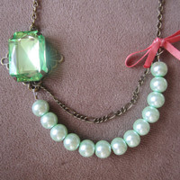 The Great Gatsby - Vintage style mint green pearl and gem necklace