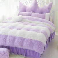 Noble Purple and White Color Block Luxury 4-Piece Velvet Fluffy Bedding Set/Duvet Cover