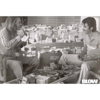 Blow - Movie Poster (Johnny Depp With Money) (Size: 24'' x 34'')