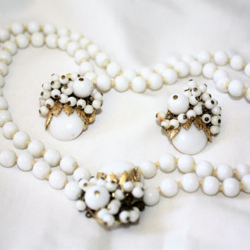 Vintage Necklace Milk Glass, Cluster Collar Necklace, Necklace Set, 1950s Jewelry