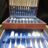 Wm. A Rogers, Ramona-Lakewood- Brentwood By Oneida ,1928 Silverplate, Silverplate Flatware Set, Service for 12  104 peices (1445)