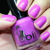 i am woman - Boii Nail polish