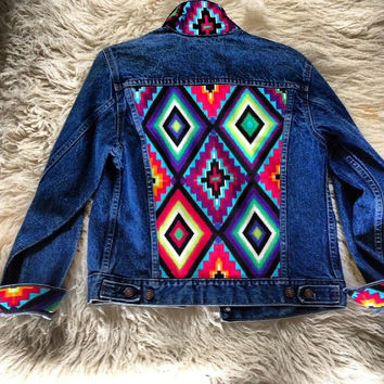 Studded Authentic Levi's Jean Jacket with Tribal Motif Size Large