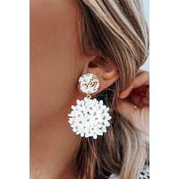 Flower Me Earrings: White/Gold