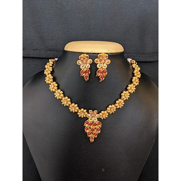 Flower design polki choker necklace and stud earrings set