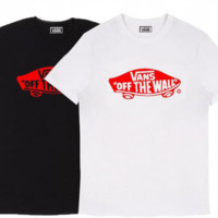 Vans Popular logo classic teenage boys and girls shirts with short sleeves.