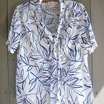 Vintage shirt - plus-size pussy bow secretary blouse with short sleeves