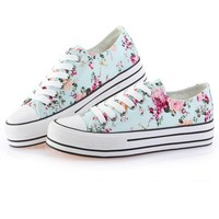 Street-chic Floral Canvas Sneakers - OASAP.com