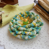 Mint green crochet brooch - Flower brooch - Unique gift for her - Fashion jewelry
