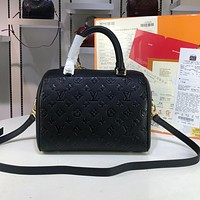 LV Louis Vuitton Hot Sale Embossed Letters Solid Color Ladies Shopping Handbag Shoulder Bag Diagonal Bag Black