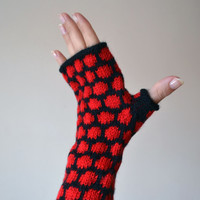 Black And Red Polca Dots Fingerless gloves - Knit Fingerless gloves - Bohemian Gloves - Fall Gloves