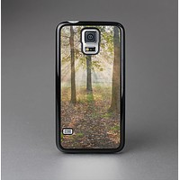 The Vivia Colored Sunny Forrest Skin-Sert Case for the Samsung Galaxy S5