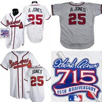 Mens Atlanta Braves #25 Andruw Jones Home White Jersey with 1999 HANK AARON 715 HR 25TH YEAR ANNIVERSARY MLB Baseball Jersey Sleeve Patch