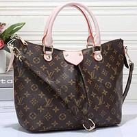 Louis Vuitton LV ladies fashion shopping leather handbag messenger bag shoulder bag