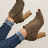 Charleston Charm Bootie in Olive – Dress Up