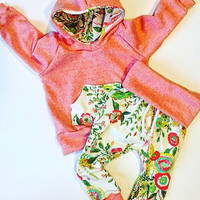 Baby girl clothes / wild flower / peach / baby clothes / cute baby clothes / baby shower gift / baby / newborn