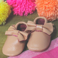 Peek A Bow Moccasin - Blush