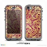 The Gold and Red Paisley Pattern Skin for the iPhone 5c nüüd LifeProof Case