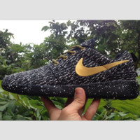 NIKE fashion line fly coconut couple leisure running shoes sports shoes (Splashed ink black gold)