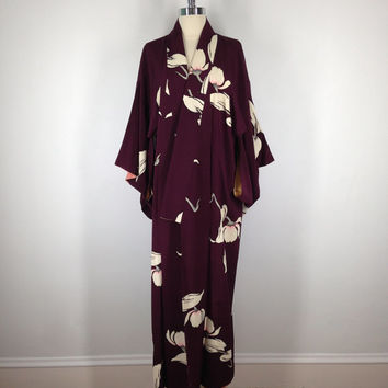 Vintage Silk Kimono / Purple White Magnolia Floral Print  / Long Robe / 1940s Art Deco / Wedding Lingerie