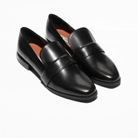 & Other Stories | Glossy Leather Flats | Black