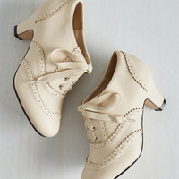 Vintage Inspired Dance It Up Heel in Cream