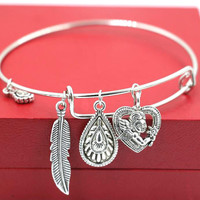 Alex and Ani Style Queen leaves Heart Angel Wings Bracelet