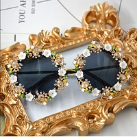 The new trend of diamond carved sunglasses large frame personality European and American fashion round face sunglasses