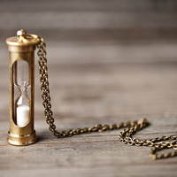 Working Hourglass necklace - Steampunk - Sand timer necklace (N095)