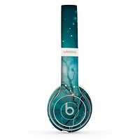 The Electric Teal Volts Skin Set for the Beats by Dre Solo 2 Wireless Headphones
