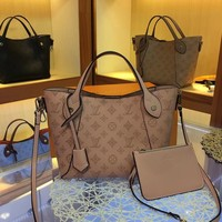 8-21【NEW】LV Louis Vuitton HINA Medium Lady Handbag M54351