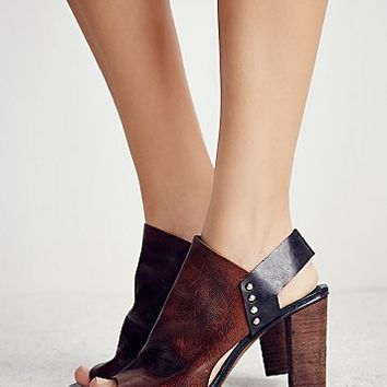 FP Collection Womens Picture This Heel