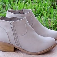 Women's New Ankle Boots Zip Up Low Chunky Heel Faux Suede Western Flair Booties