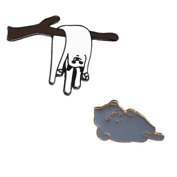 Trendy Cute Cartoon Pin Badge White Cat on Branches Lying Cat Brooch for Kids Women Men Pins Buckle Denim Jacket Clothing Jewelry Gifts AT_94_13