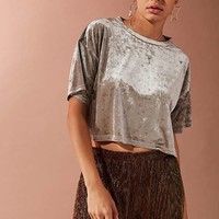 UO Cropped Velvet Tee | Urban Outfitters