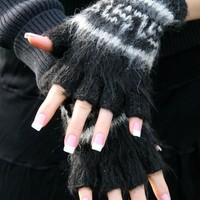 Bolivian Brushed Pattern Fingerless Alpaca Gloves