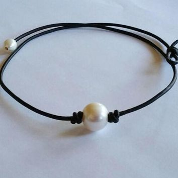 FREE SHIPPING Pearl and Leather Necklace Choker